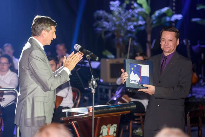 Ptuj, Osnovna sola Ljudski vrt Ptuj. Osrednja prireditev Glasbene sole Karol Pahor Ptuj ob 140. obletnici organiziranega glasbenega izobrazevanja na Ptuju, ki jo je obiskal tudi predsednik republike Borut Pahor. Predsednik republike Borut Pahor.